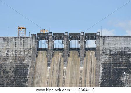 concrete dam on bright day