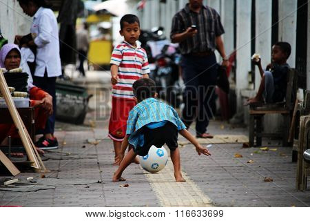 Children playing in South Yogyakarta