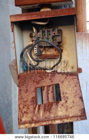 Broken Fuse Box