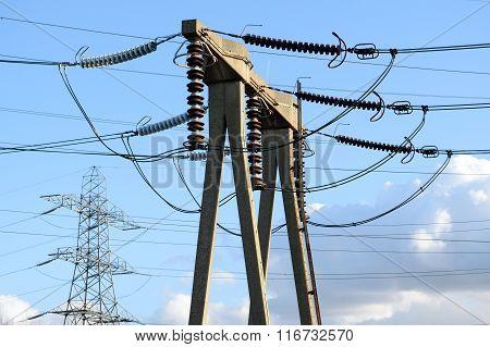 High vaoltage transmission tower