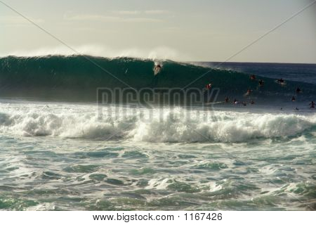 North Shore Banzai Pipeline 14