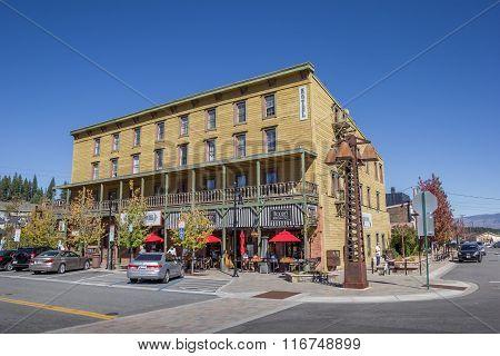 Hotel In Main Street Truckee