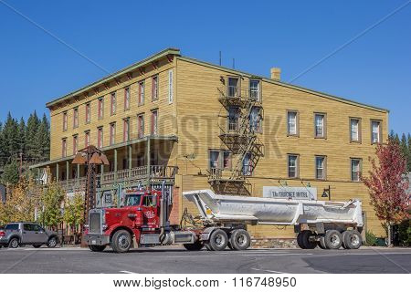 Truck In Front Of A Hotel In Truckee