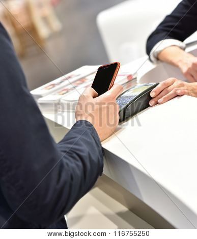 Direct payment with smartphone, Near field communication