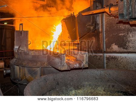steel pouring