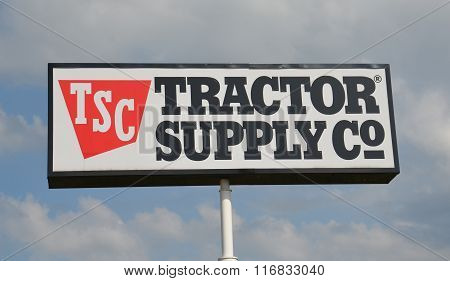 Tractor Supply Store Sign