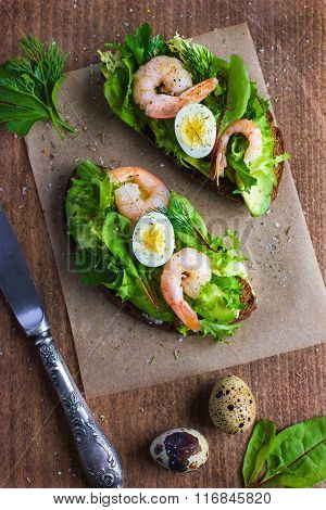 Delicious Avocado And Shrimps Toasts