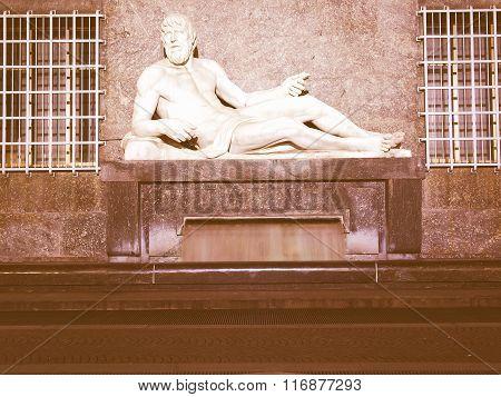 Po Statue, Turin Vintage