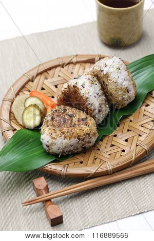 yaki onigiri, grilled rice balls, japanese food