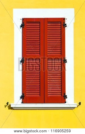 Red Window  Varano Borghi Palaces Italy   Abstract  Sunny Day