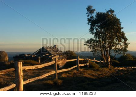 Craigs Hut W Wooden Fence
