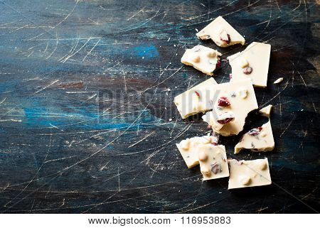 White chocolate with hazelnuts and cranberries