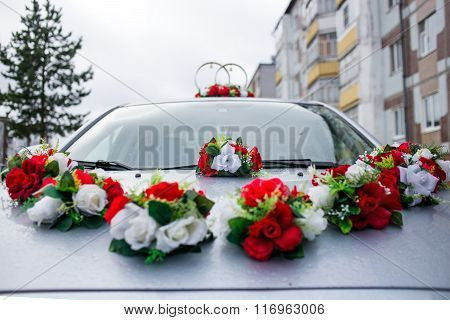 wedding decorations for car rings and flowers