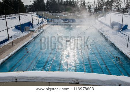 sports outdoor pool in winter