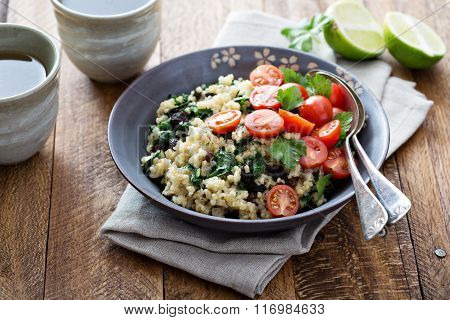 Warm bulgur salad with kale