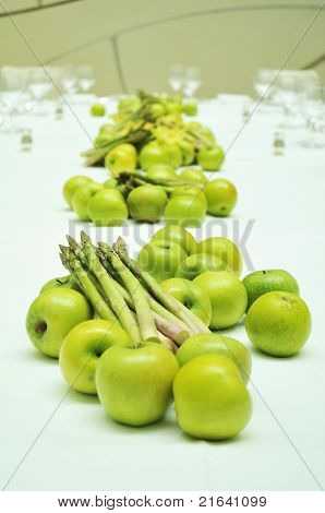 green apples with asparagus