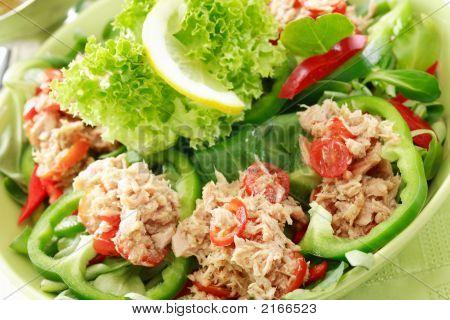 Alimentação saudável, salada com atum