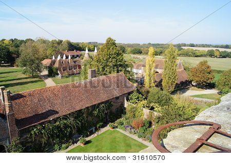 Traditional Tudor and Oast Buildings