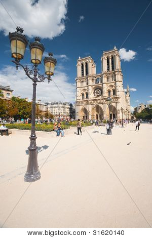 Notre Dame Cathedral Day Angle
