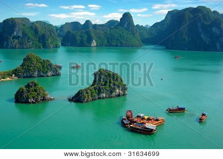 Paisagem pitoresca do mar. Ha Long Bay, Vietnam