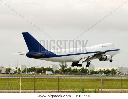 Heavy Cargo Airplane
