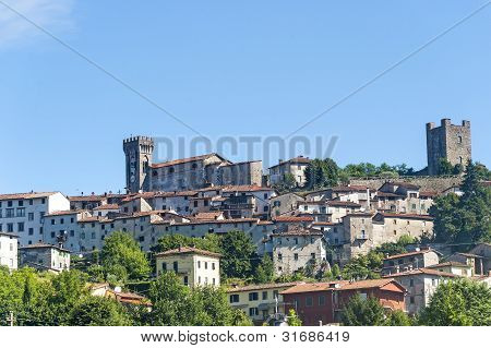 Ghivizzano (lucca), Medieval Town