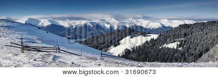 ein frostigen und sonniger Tag ist in Bergen