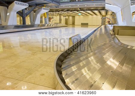 luggage belt in the airport