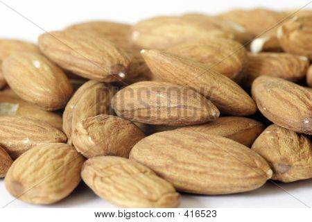 Almonds Macro