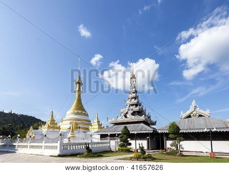 Wat Jong Kham   Wat Jong Klang