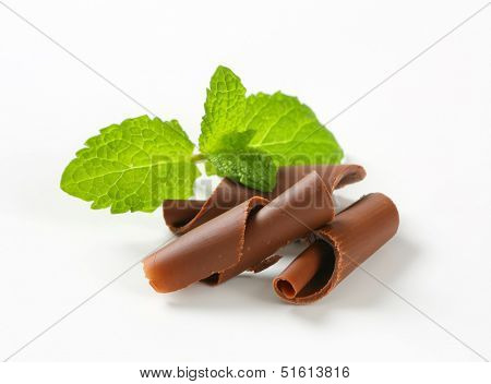 grated chocolate curls with mint