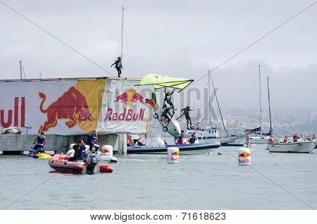 Sardinha Portuguesa Team At The Red Bull Flugtag