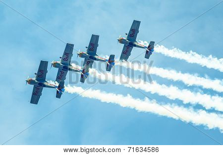 Aerobatic Team Flying