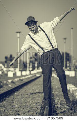 Equilibium On A Rail