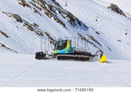 Snowplow At Mountains Ski Resort - Innsbruck Austria
