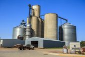 image of silos  - Farmer infrastructure  - JPG