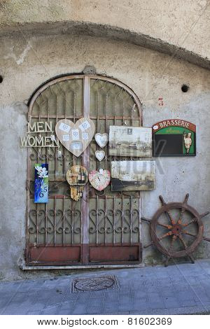Vintage Shop In Amalfi
