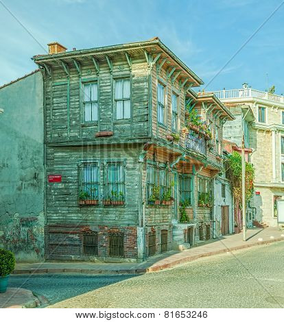 Istanbul old house