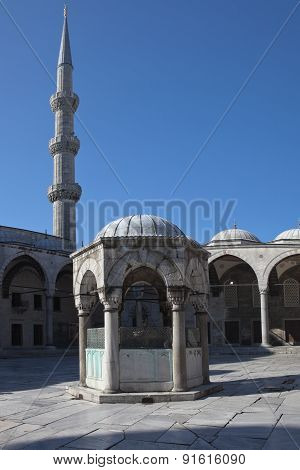Fountain for ablutions in the courtyard of the Blue Mosque (Sultanahmet). Istanbul. Turkey.