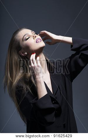 Alluring Lovely Woman In Long Black Tunic