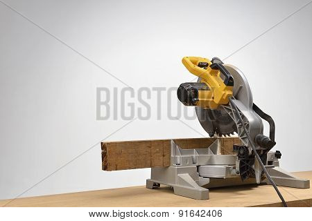 electric saw