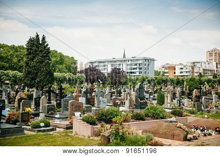 View Of The Neudorf Cemtery - Cimetiere Municipal Saint Urbain - In Strasbourg, France