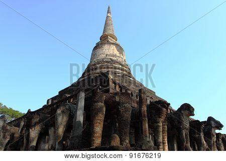 Wat Chang Lom, Si Satchanalai Historical Park, Thiland