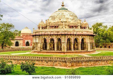 Isa Khan Niyazi Tomb, Humayan Complex,new Delhi
