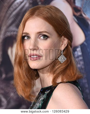 LOS ANGELES - APR 11:  Jessica Chastain arrives to the