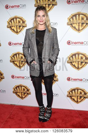 LOS ANGELES - APR 12:  Margot Robbie. arrives to CinemaCon 2016: Warner Bros.