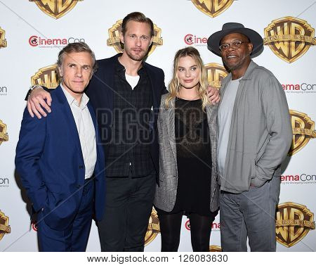 LOS ANGELES - APR 12:  Christoph Walt, Alexander Skarsgard, Margot Robbie & Samuel L Jackson arrive CinemaCon 2016: Warner Bros