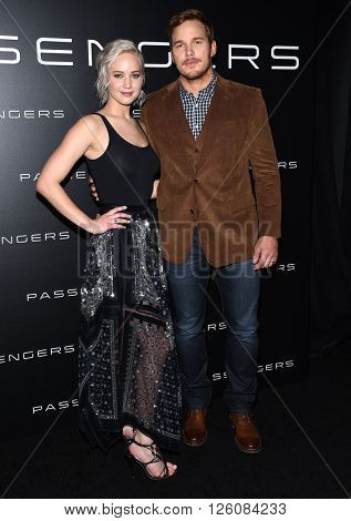 LOS ANGELES - APR 12: Jennifer Lawrence & Chris Pratt arrives to the Cinema Con 2016: Sony Pictures Presentation on April 12, 2016 in Las Vegas, NV.