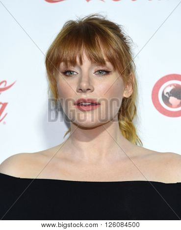 LOS ANGELES - APR 14:  Bryce Dallas Howard arrives to the Cinema Con 2016: Awards Gala  on April 14, 2016 in Las Vegas, NV.