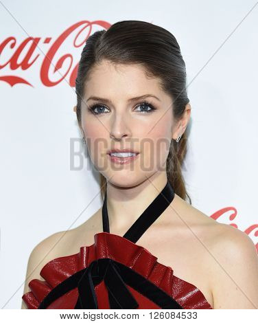 LOS ANGELES - APR 14:  Anna Kendrick arrives to the Cinema Con 2016: Awards Gala  on April 14, 2016 in Las Vegas, NV.
